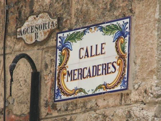 Calle Mercaderes Small